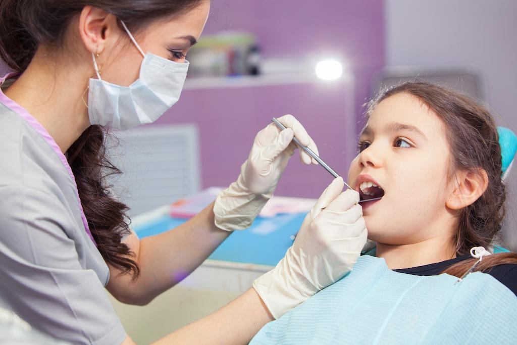 Odontopediatría el tratamiento dental para los niños
